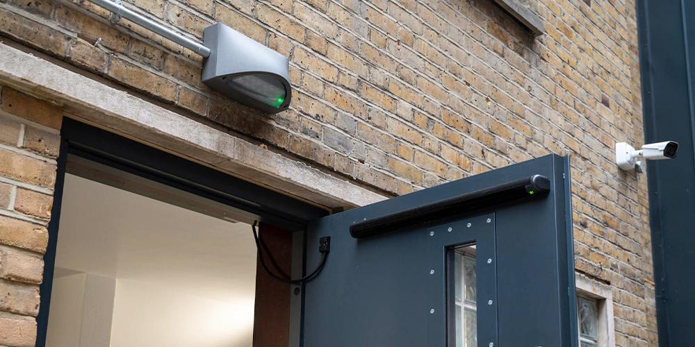 Sichere Leuchten für Polizeitstationen Aussenbereiche
